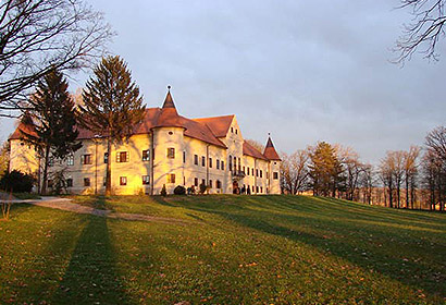 Duhovno-obrazovni centar Marijin dvor, Lužnica